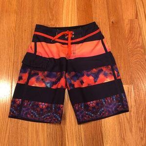 Boys Quiksilver size 25 (9/10) swim trunks